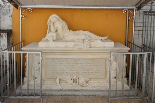 Le tombeau de la Dame Espagnole, Le Carbet