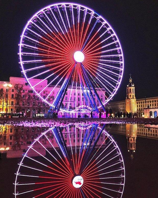 Place Bellecour, l'amour en grand !bientôt le 8 Décembre fête de la lumière