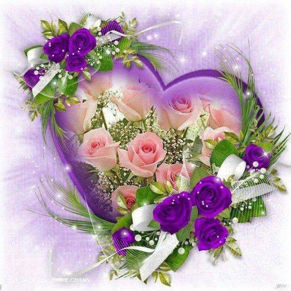 Des compositions très originales garnies de fleurs  aux couleurs variées.
