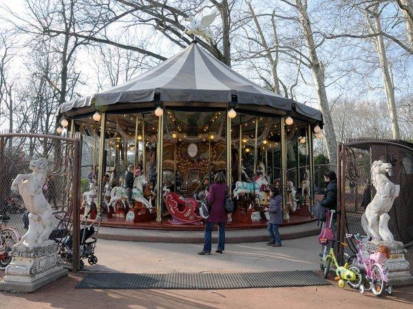 le plus grand parc urbain de France. Totalement dédié aux loisirs, à la découverte et à la détente,