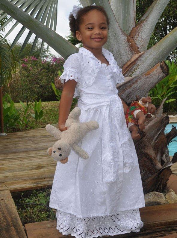 Robe Cérémonie  Fille décor broderie blanche  bleu