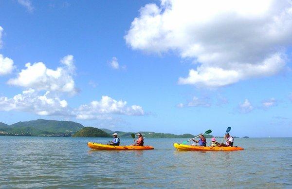 Anse Noire  Seule plage de sable noir du sud de la Martinique, l'Anse Noire donne un avant goût des plages plus sauvages du nord de l'île.