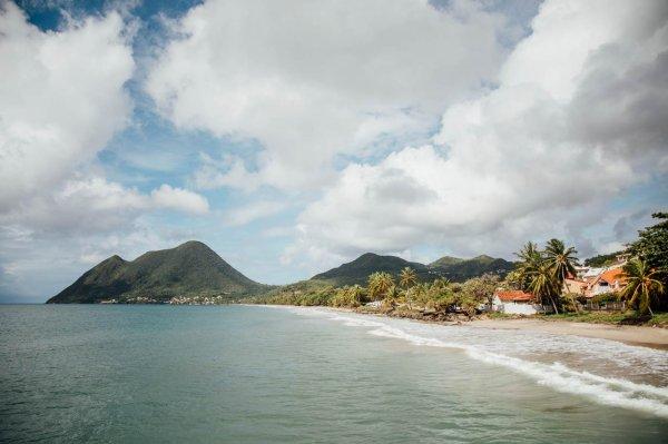 Pour une vue imprenable sur toute la baie avec le Morne Larcher en fond de carte postale,