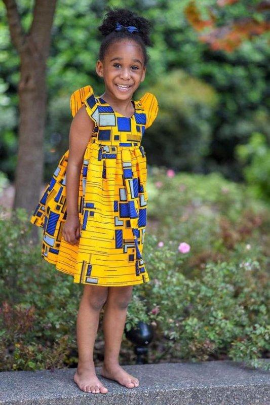jolies robes petites filles ,et petits garçons élégants -