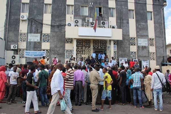 Comores Télécom : 1080 agents mis à la porte
