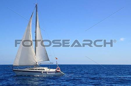 Le mystère autour d'un voilier « pirate » arraisonné à Anjouan depuis six jours