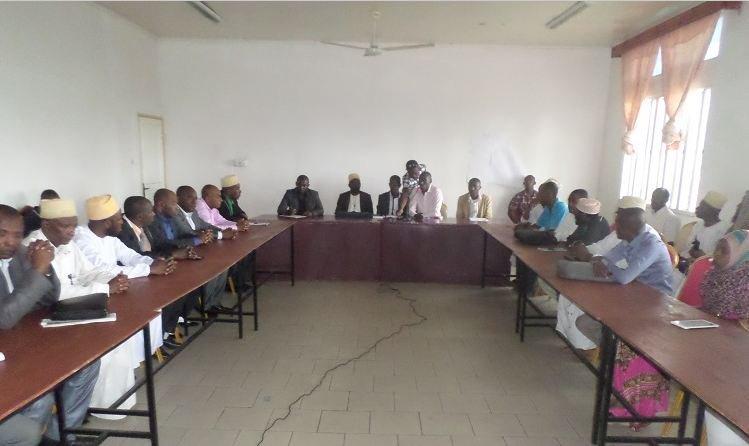 Rentrée scolaire Les 117 enseignants suspendus menacent de durcir leur mouvement