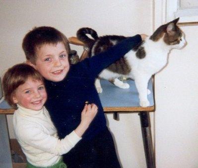 Ced & Moi & grisouille notre encien chat!!