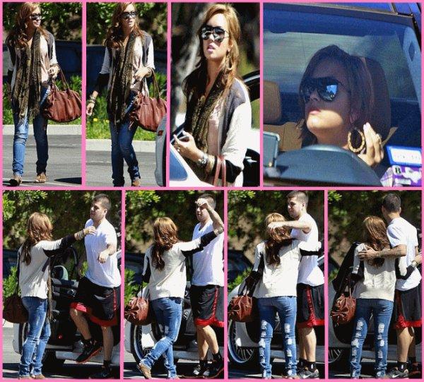 Demi est allée retrouver son ami Robert Kardashian.