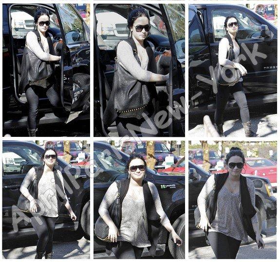 Candids du 3 Fevrier : Demi allant à son centre de traitement à Santa Monica
