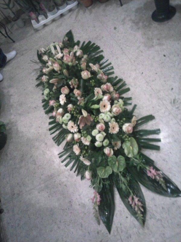 Dessus de cercueil, feminin
