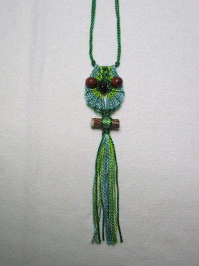 Macramé : la chouette verte