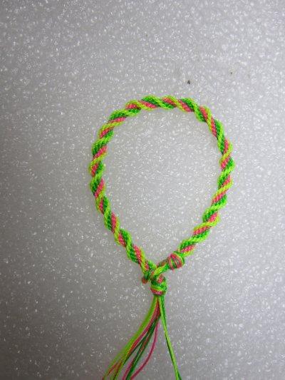 Kumihimo : bracelet en spirale 3