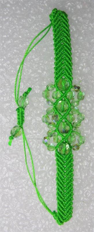 Macramé : bracelet chevron vert