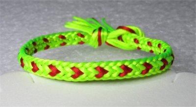 Kumihimo : bracelet plat coeurs 3