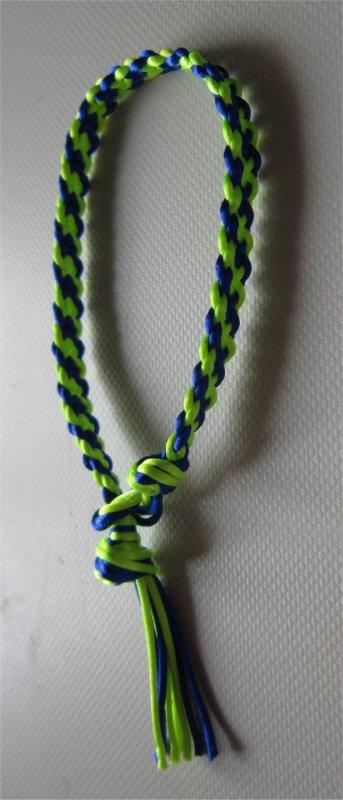 Kumihimo : bracelet plat à rayures obliques 1