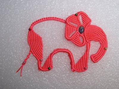 Macramé : un éléphant rose !