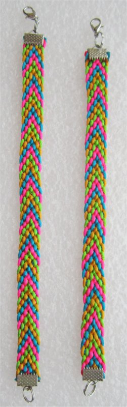 Kumihimo : Pose des fermetures sur 2 bracelets