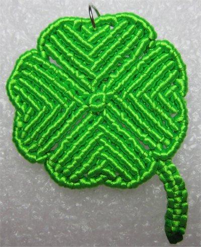 Macramé : le trèfle à 4 feuilles 2