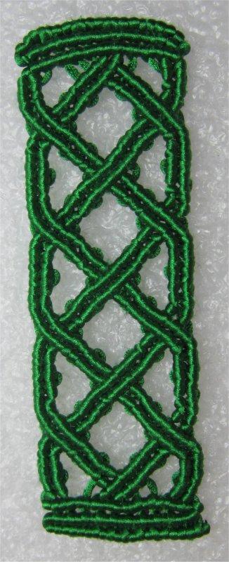 Macramé : tout petit bracelet celtique !