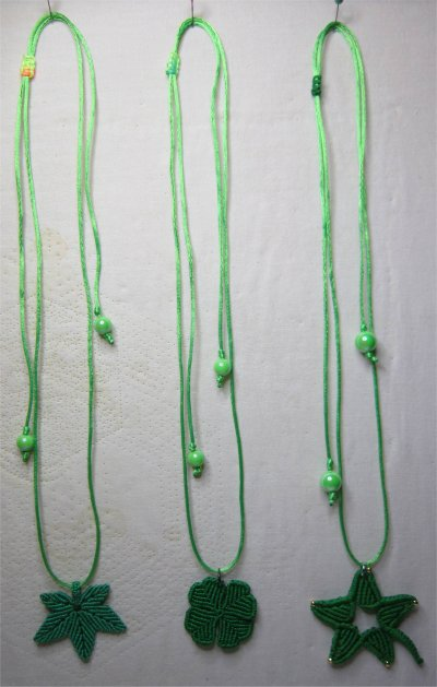 Macramé : les colliers montés 4