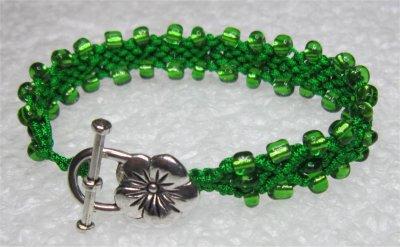 Macramé : bracelet avec perles 1