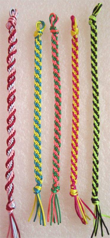 Kumihimo : des bracelets