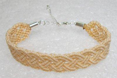 Macramé : bracelet celtique 4 monté