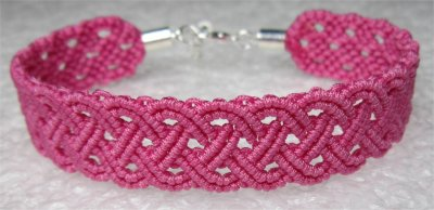 Macramé : bracelet celtique 12 monté