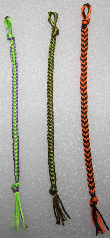 Kumihimo : bracelets plats chaînettes 28 et 29 et bracelet chevron 15