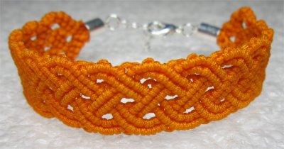 Macramé : bracelet celtique 16 monté