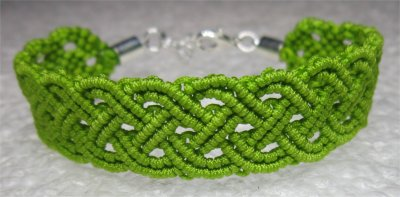 Macramé : bracelet celtique 17 monté