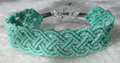 Macramé : bracelet celtique 18 monté