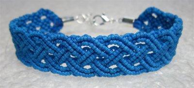 Macramé : bracelet celtique 20 monté