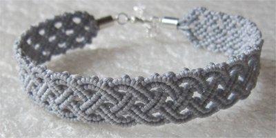 Macramé : bracelet celtique 22 monté