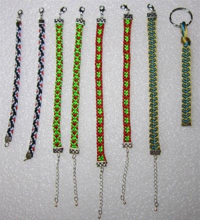 Kumihimo : 7 bracelets montés et 1 porte clés