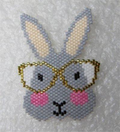 Perles : le lapin à lunettes