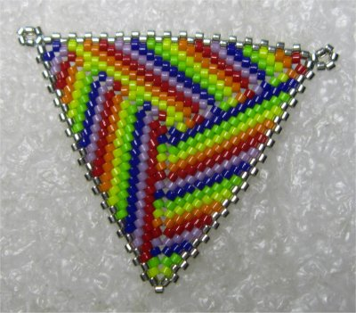 Perles : médaillon triangulaire 1