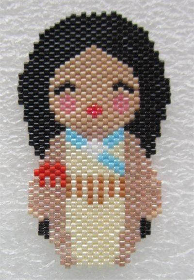 Perles : kokeshi Pocahontas