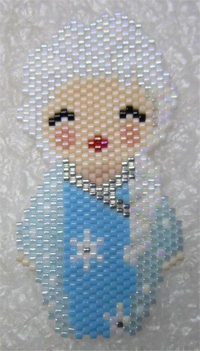 Perles : kokeshi Elsa