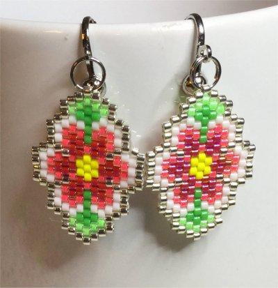 Perles : boucles d'oreilles fleurs 1