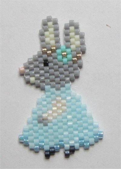 Perles : broche lapine