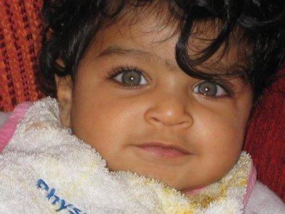 voici une photo quand j'avais 8 mois,votez pour moi et faites tourner mon blog svp merci.