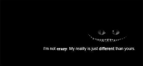 Souris, c'est plus facile que d'expliquer pourquoi tu pleures.