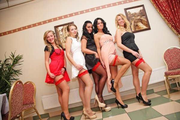 5 belles étudiantes sexys