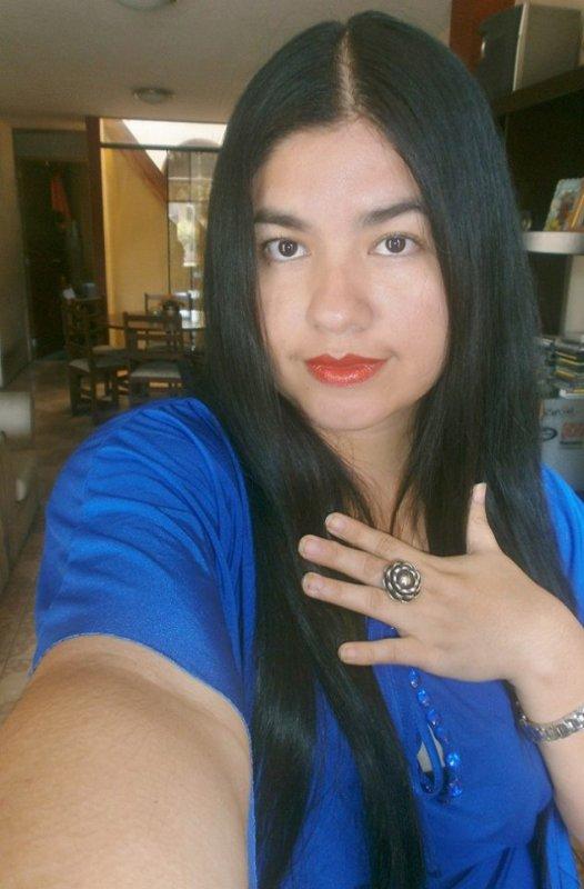 soy yo con algo azul
