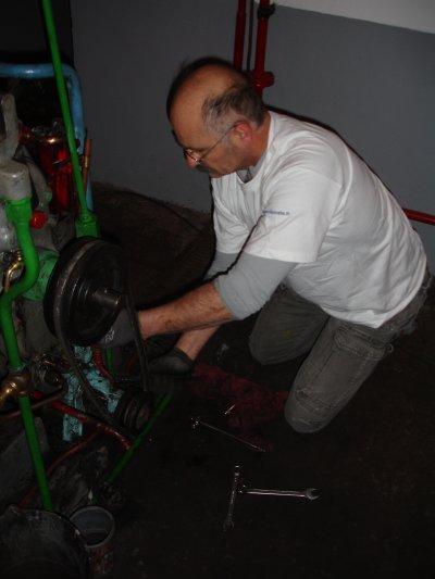 Travaux divers - Remise en peinture des moteurs