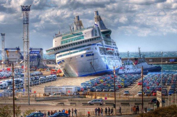 Marseille : Le Napoléon Bonaparte n'est pas prêt de reprendre la mer