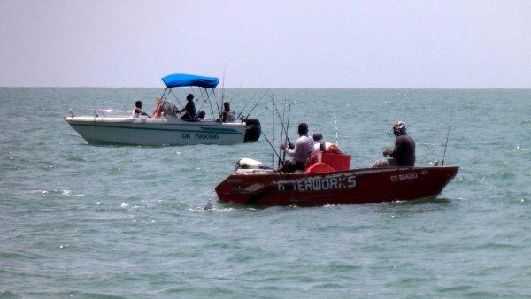 Navigation en Guyane - bateaux de pêche de loisir