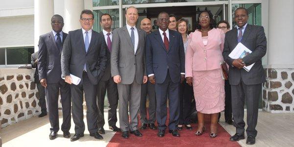Produits Pharmaceutiques : Le PDG du Groupe pharmaceutique SANOFI AVENTIS chez le Premier ministre Ahoussou